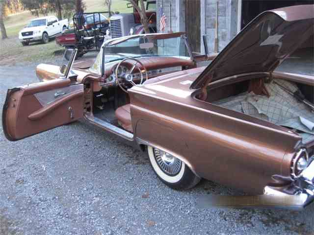 1957 Ford Thunderbird | 985357