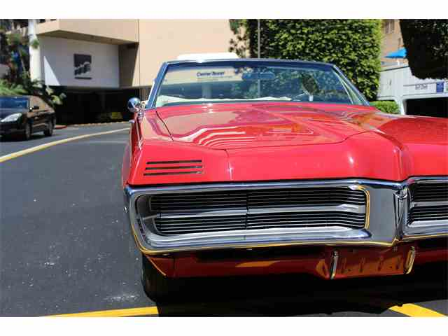 1967 Pontiac Grand Prix | 985378