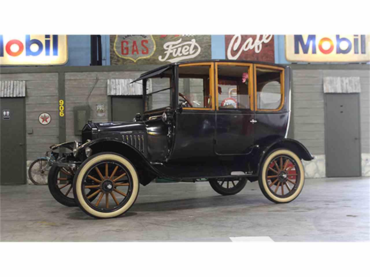 1921 ford model t center door sedan for sale cc 980543. Black Bedroom Furniture Sets. Home Design Ideas