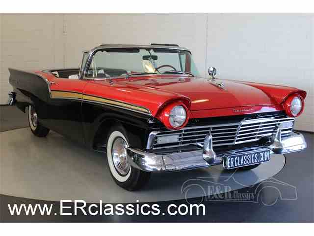1957 Ford Fairlane 500 | 985515