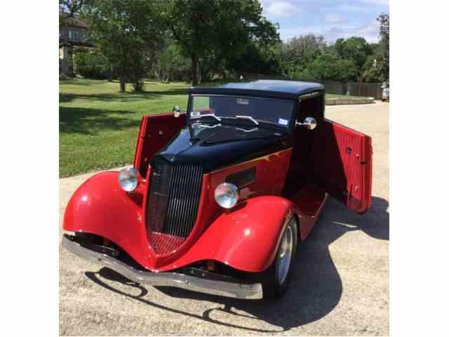 1934 Ford Roadster | 985571