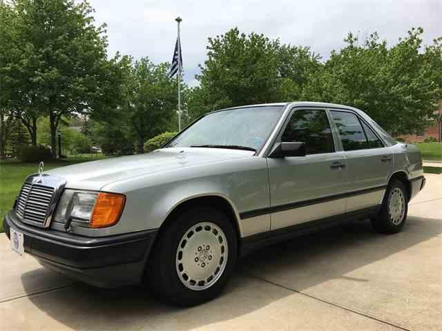 1987 Mercedes-Benz 300 | 985583
