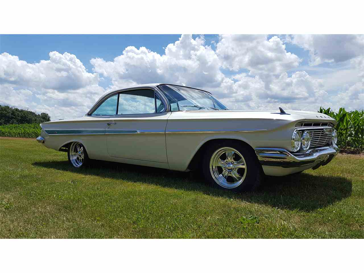 Large Picture of '61 Impala - L4I6
