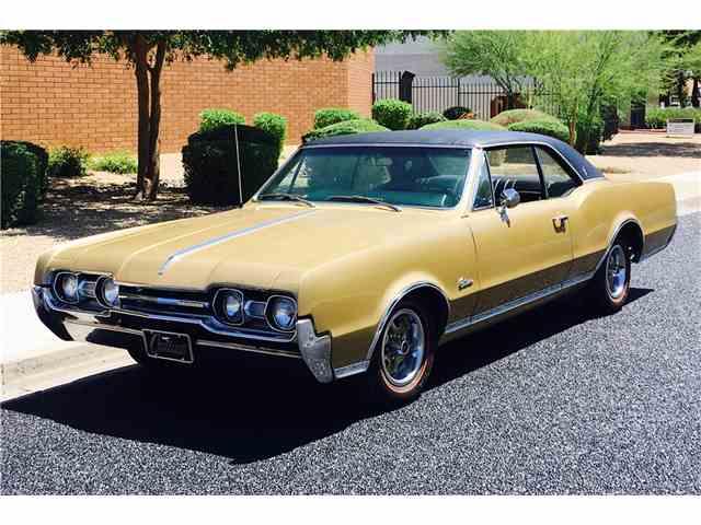 1967 Oldsmobile Cutlass Supreme | 985810