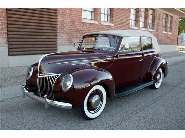1939 Ford Deluxe | 986060