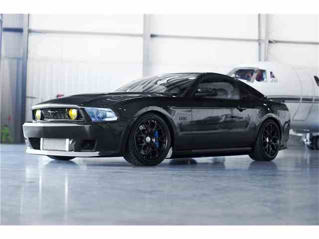 2010 Ford Mustang | 986128