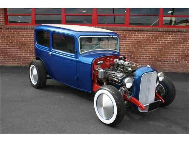 1932 Ford Custom | 986229