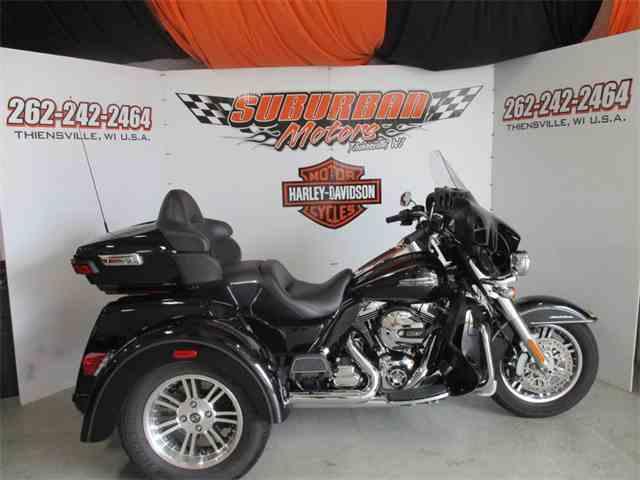 2016 Harley-Davidson® FLHTCUTG - Tri Glide® Ultra | 987270