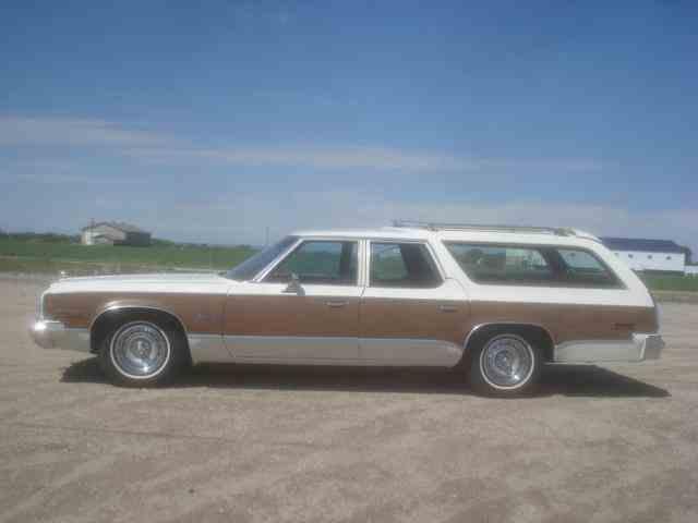 1976 Plymouth Gran Fury Sport Suburban Wagon | 987755