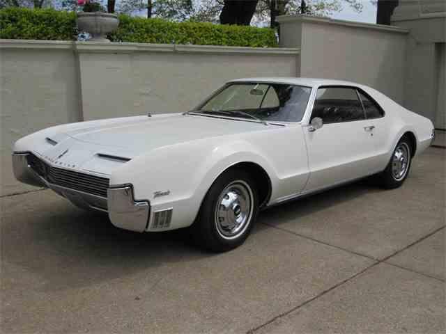 1966 Oldsmobile Toronado | 987787