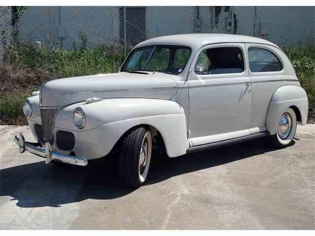 1941 Ford 2-Dr Sedan   980793