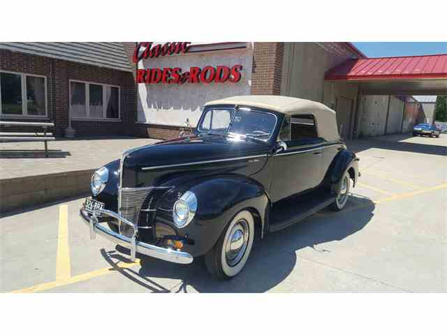1940 Ford Deluxe | 988011