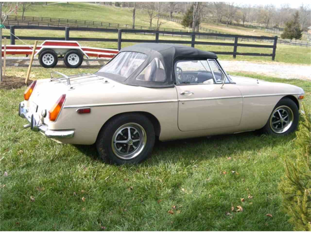 Large Picture of '71 MGB - L72Z