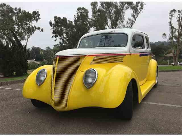 1937 Ford 2-Dr Sedan | 989065