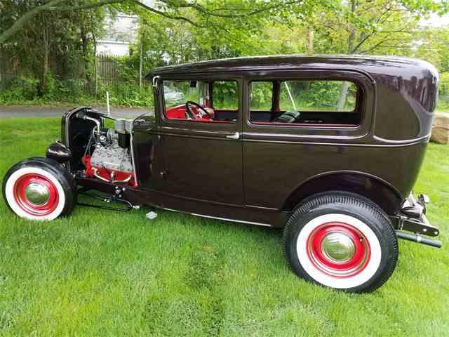 1930 Ford Tudor Highboy Hot Rod | 989306