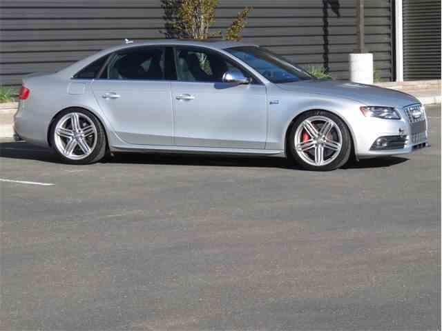 2010 Audi S4 | 989318