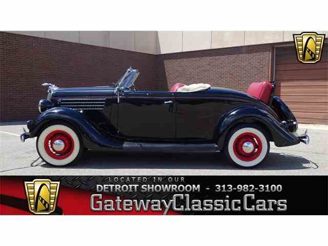 1935 Ford Roadster | 989459
