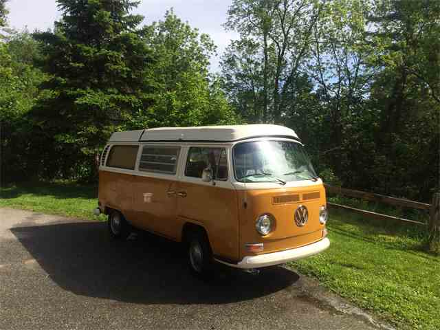 1972 Volkswagen Camper | 989793