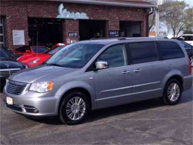 2014 Chrysler Town & Country | 980982