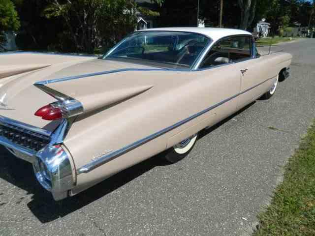 1959 Cadillac DeVille   989956