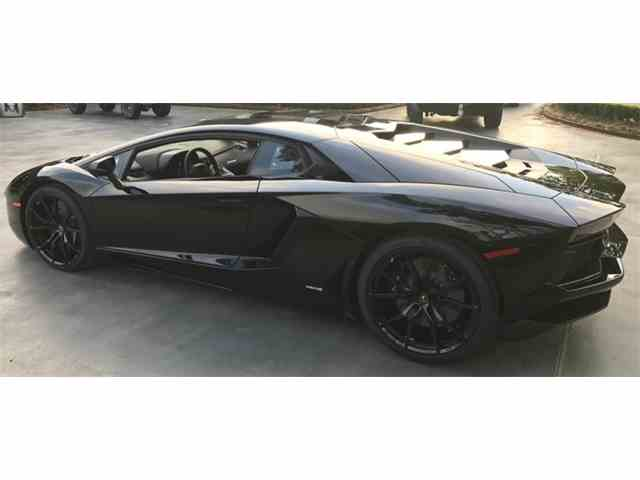 2017 Lamborghini Aventador | 989995