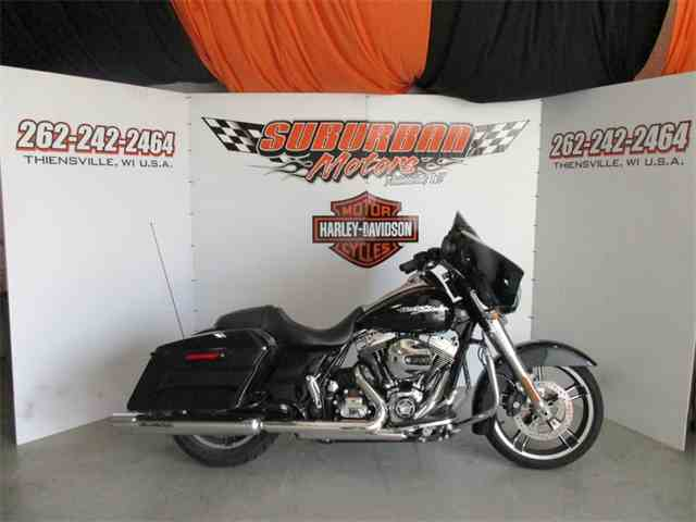 2016 Harley-Davidson® FLHX - Street Glide® | 991340