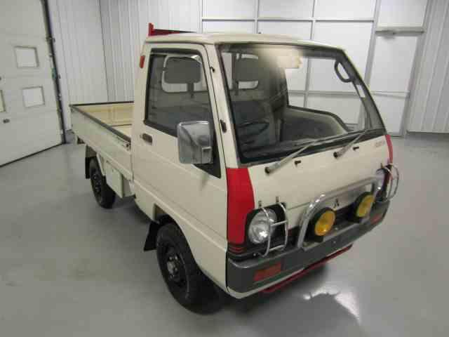 1989 Mitsubishi Mini Cab Pickup   990239