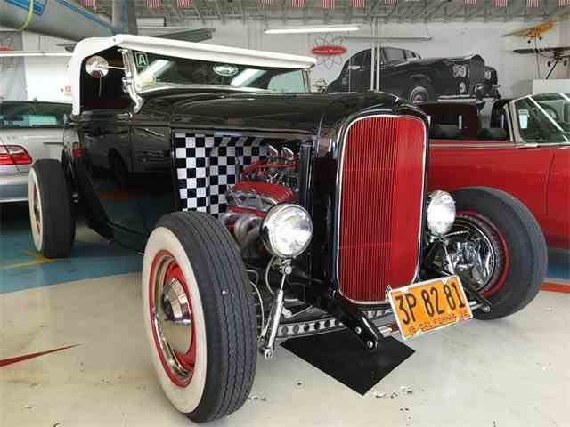 1932 Ford Roadster | 992504