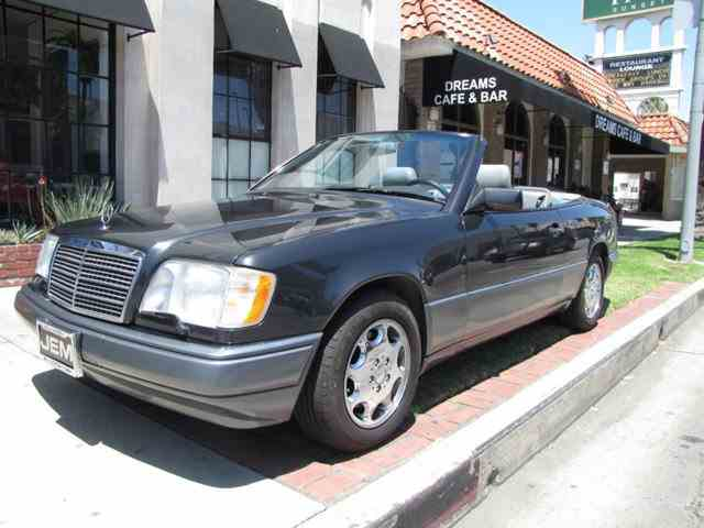 1995 Mercedes-Benz E-Class | 992919