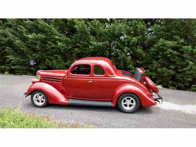 1935 Ford 5-Window Coupe | 992941