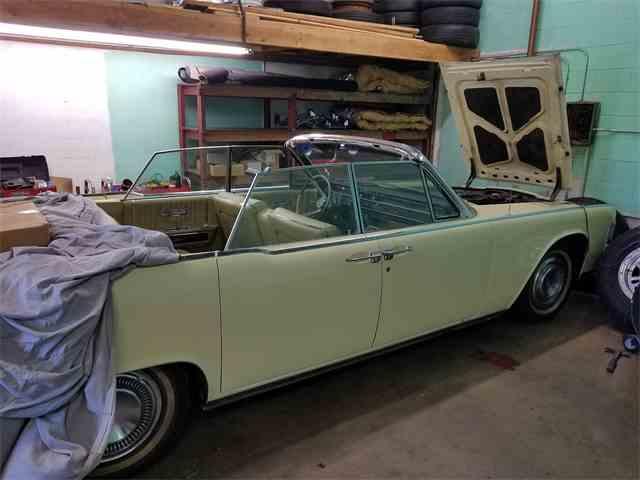 1965 Lincoln Convertible | 993358