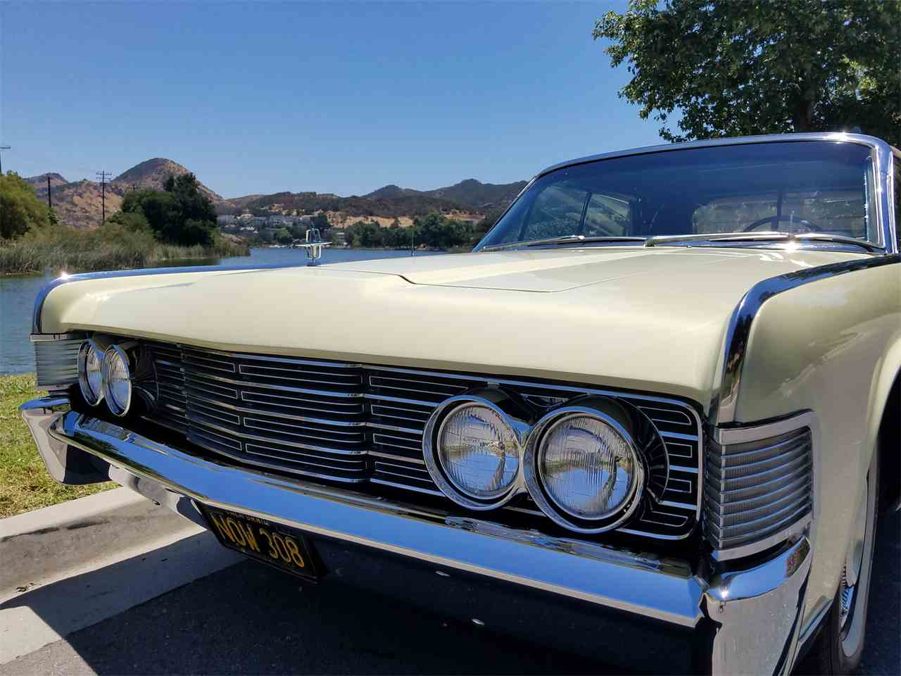 Large Picture of '65 Convertible - LAHA
