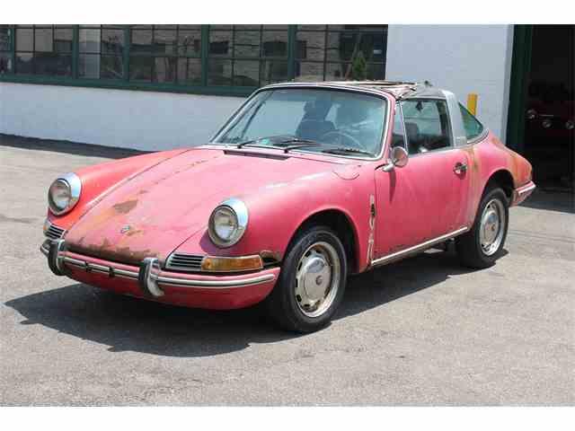 1968 Porsche 911   993379