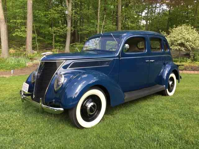 1937 Ford Sedan | 993394