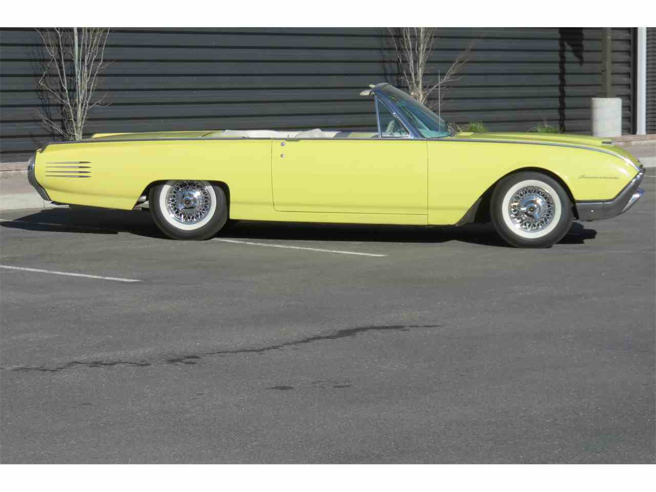 Large Picture of '61 Thunderbird - LAPA