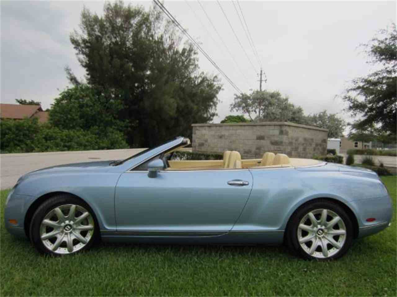 Large Picture of '08 Continental GTC located in Delray Beach Florida - LATV
