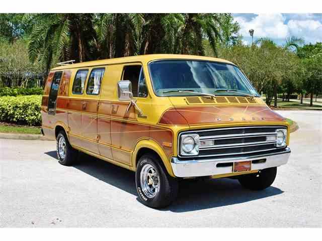 1977 Dodge Trademan 200 | 994601