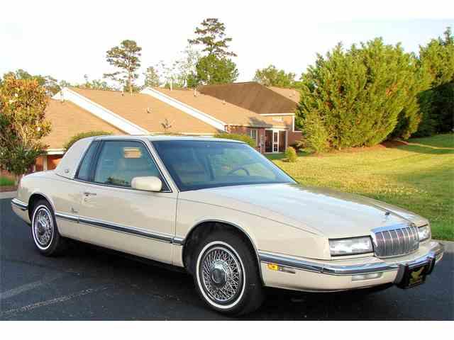 1992 Buick Riviera | 994630