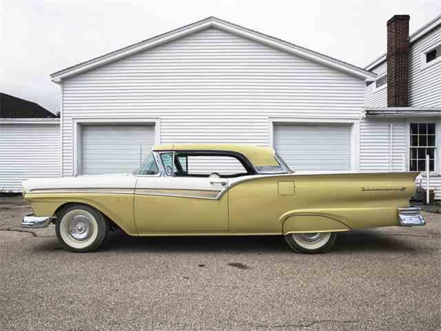 1957 Ford Skyliner | 995253