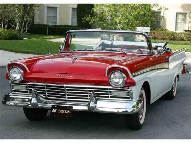 1957 Ford Sunliner | 995299