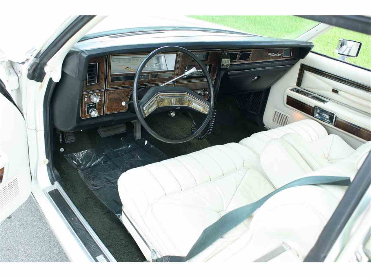Large Picture of '79 Town Car - LBZD