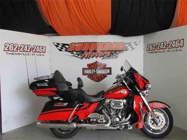2016 Harley-Davidson® FLHTKSE - CVO™ Limited | 995464