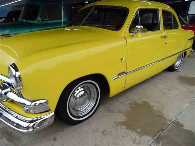 1951 Ford Tudor | 995640