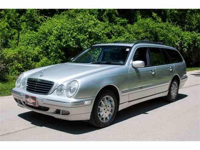 2000 Mercedes-Benz E320 | 995661