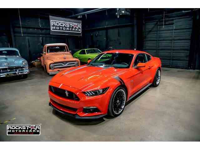 2015 Ford Mustang | 995675