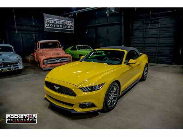 2016 Ford Mustang | 995676