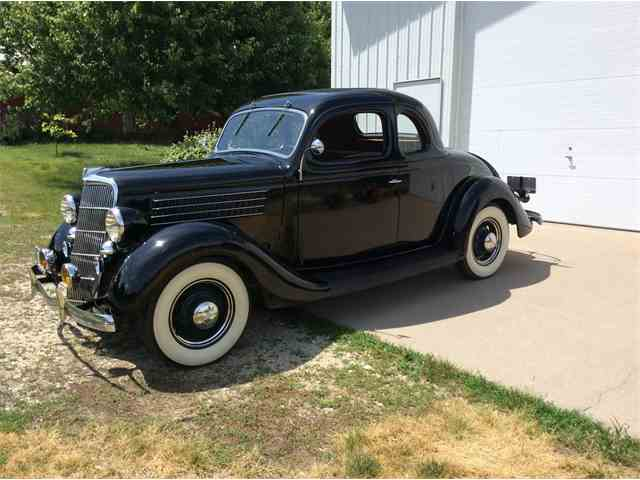 1935 Ford 5-Window Coupe | 995797