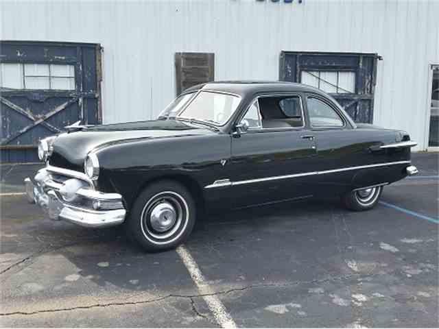 1951 Ford Custom | 995833