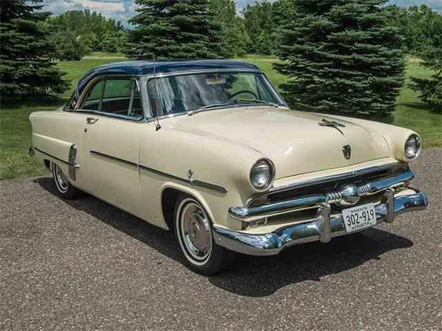 1953 Ford Crestline | 996465