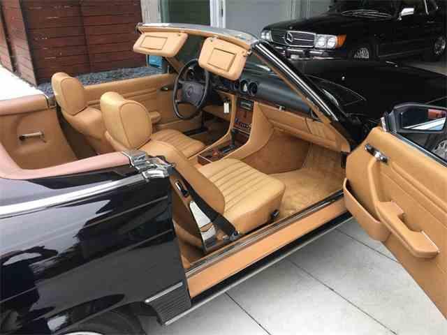 1989 Mercedes-Benz 560 | 996485